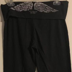 Medium Black Victoria's Secret Flare Yoga Pants